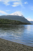 Patagonian landscape with lake and mountain. Argentina — Stock Photo