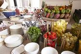Frutas em uma placa pronta para ser servida — Fotografia Stock