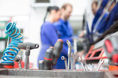Ferramentas na garagem ou oficina mecânica — Foto Stock