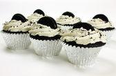 Jumbo Vegan Cookies n Cream Cupcakes — Stock Photo