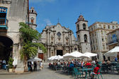 Havana restaurant and cathedral — Stock Photo