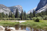 Mirror lake yosemite — Stock Photo