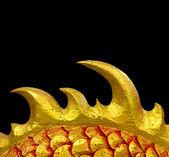 Dragão chinês dourado sobre fundo preto — Fotografia Stock