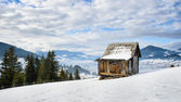 Alone small house at the top of mountain — Foto Stock
