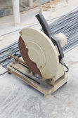 Steel rod cutting machine. — Stock Photo