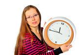 Meisje met een horloge in zijn hand — Stockfoto