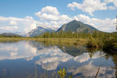 Vermillion Lakes Serenity — Stock Photo