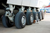 Airplane undercarriage — Stock Photo