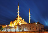 New Mosque at night, Istanbul - Yeni camii — Stock Photo