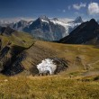 Swiss Alps with the hut - Foto Stock