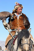 MONGOLIA - 25 JULY: The senior Mongolian horseman in traditional — Stock Photo