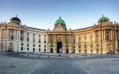 旧的电子组件ホーフブルク宮殿、ウィーン、オーストリア — ストック写真
