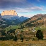Mountain Landscape in Italy Alps - Passo Gardena in Dolomites — Stock Photo