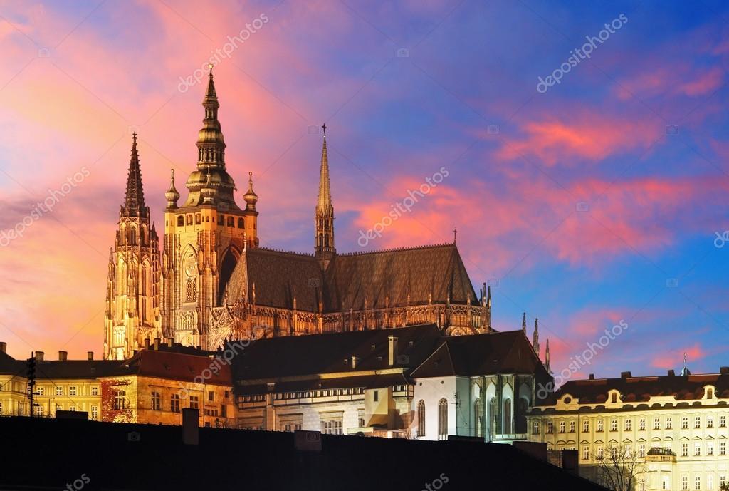 布拉格城堡在日落