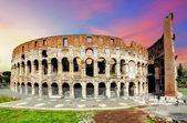 Coliseo de roma al atardecer — Foto de Stock
