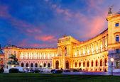 ウィーン ホーフブルク帝国宮殿の夜、オーストリア — ストック写真