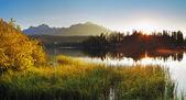 Lake and sun - Slovakia Tatras, Strbske pleso — Stock Photo