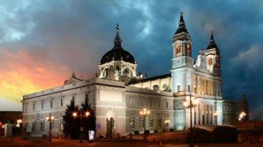 Catedral de madrid, españa — Vídeo de stock