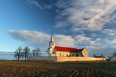 Bella chiesa cattolica in Europa orientale — Foto Stock