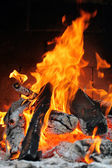 Oheň v krbu — Stock fotografie