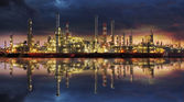 Petrochemical industry - Oil refinert — Stock Photo