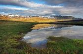 Paese di montagna bella islanda — Foto Stock