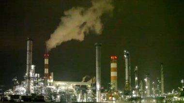 Oil refinery — Stockvideo