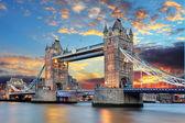 Tower bridge en londres, reino unido — Foto de Stock
