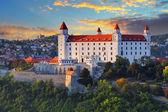 Bratislava castle at sunset, Slovakia — Foto de Stock