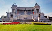 ROME-AUGUST 10:The Altare della Patria on August 10, 2013 in Rom — Stock Photo