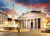 Rome - fountain from Piazza della Rotonda and Pantheon in mornin — Stock Photo