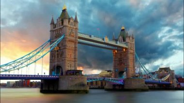 Tower bridge - London, Time lapse — Stock Video