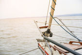Sailing to the sunset — Stock Photo