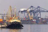 Towing ship — Stock Photo