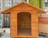 Wooden dog house — Stock Photo