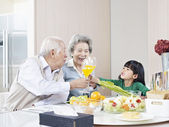 Happy asian family — Stock Photo