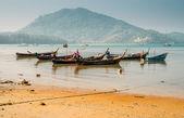 Traditional thai boats at  beach. — Foto de Stock