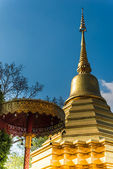 Stupa at   Wat  Phrathat doi Suthep temple  in Chiang Mai, Thailand. Ancient construction of public property — Stock Photo