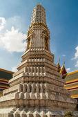Stupa  at   Wat  Phra Kaew temple, Bangkok, Thailand. — Stock Photo