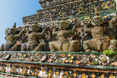 Architectural elements on the Wat Arun area, the Temple of Dawn, Bangkok Thailand. — Stock Photo