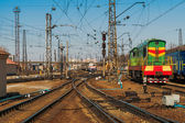 Ukrainian railway.  train tracks at the  Kharkiv  Passenger Railway Station, Ukraine — Stock Photo