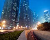 Shanghai Lujiazui Finance & obchodní zóna moderní city v noci pozadí — Stock fotografie