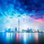 Beautiful shanghai skyline at night,China — Стоковое фото