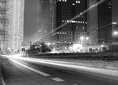 La vue de nuit du pôle financier de lujiazui — Photo