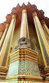 Sten staty av en buddha i thailand. — Stockfoto