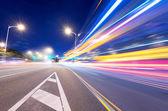 Carro em movimento com borrão de luz — Foto Stock
