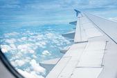 самолеты в высоте во время полета — Стоковое фото