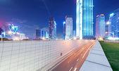 Licht paden op de straat in de schemering in guangdong, china — Stockfoto