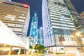 Hongkong-Nachtsicht mit Auto Licht — Stockfoto