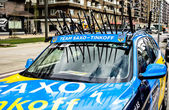 The car of the Saxo Bank cycling team — Stock Photo